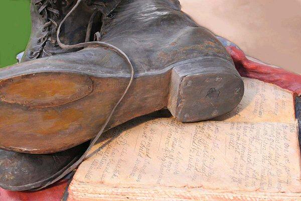 Footsteps of Faith Sculpture - 2